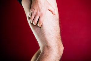 блуждающая боль в левой ноге