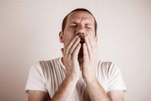 сильный кашель у мужа