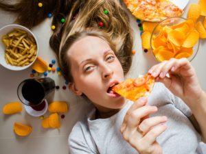 Симптомы и причины обжорства (компульивного переедания)