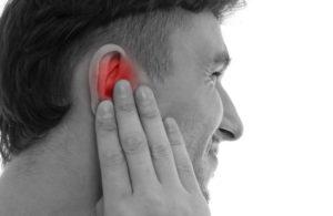 дискомфорт в левом ухе