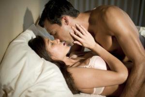 Мой парень редко занимается со мной сексом! что делать?