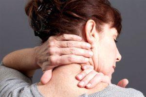 Симптомы болезни - шейные боли