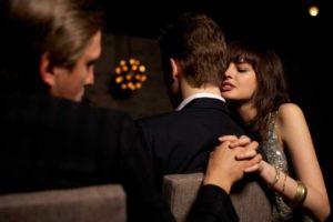 Изменяющие жены: Женщины и неверность