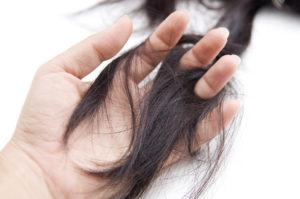Очень путаются волосы и сильно выпадают