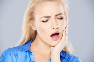 больно открывать рот