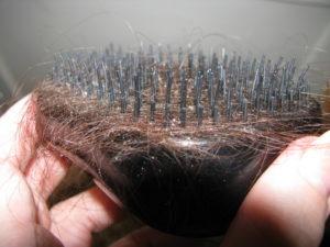 волосы выпадают пучками
